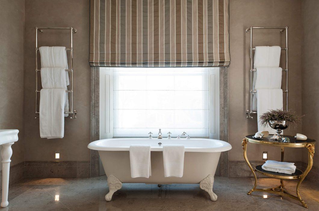 3.StudioIndigo_HollandParkI_bathroom