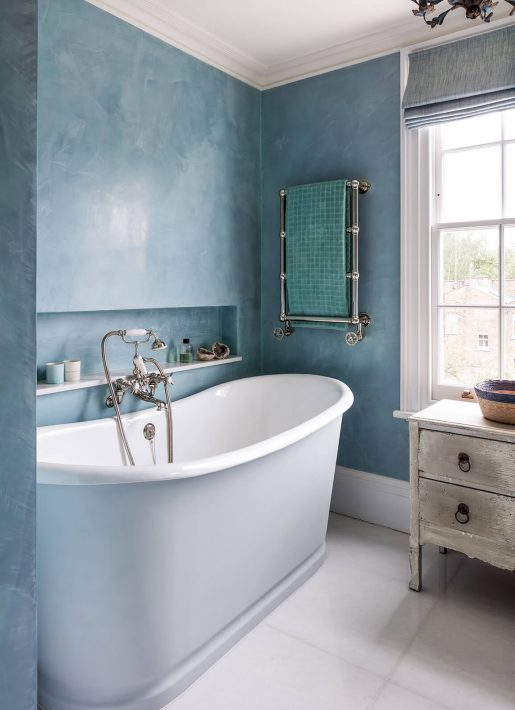 14.StudioIndigo_ListedTownhouse_bluebathroom