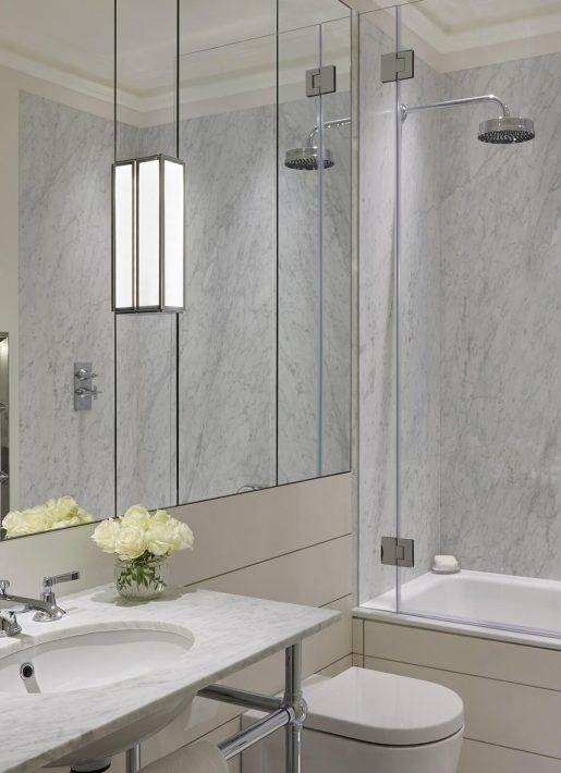 5-StudioIndigo_BelgravApt_Bathroom