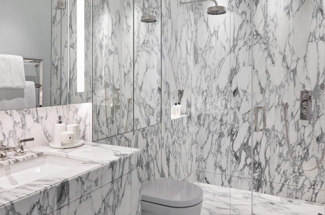 9-StudioIndigo_BelgravApt_Marble-Bathroom